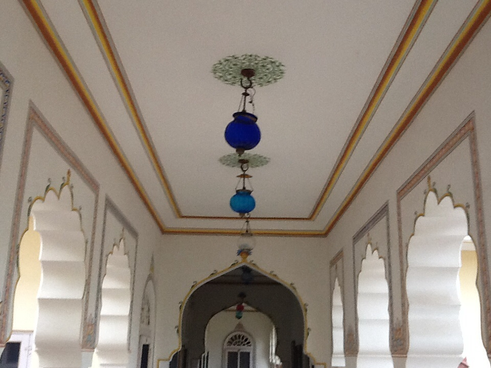 Corridor ceiling outside our room at Alsisar Haveli