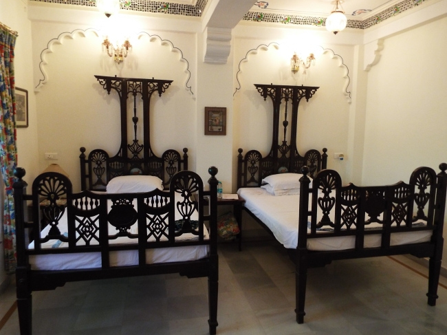 Antique beds in our room at Jagat Niwas Palace, Udaipur.