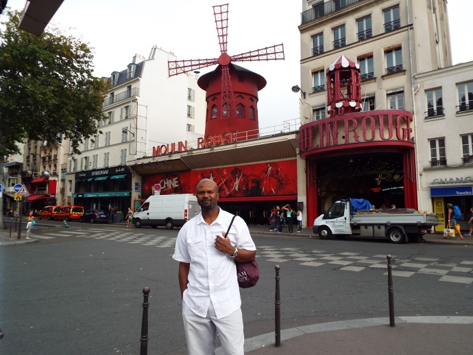 The Moulin Rouge, located at base of Montmartre, hosts cheesy Vegas type shows for 185 euro pp.  We opted for pics out front and Toulouse Lautrec paintings at the Musee D'Orsay.