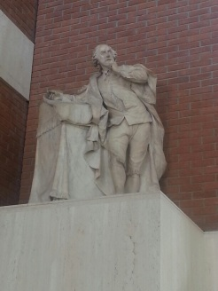 Shakespeare in a rather classical pose in the vestibule of theBritish Library