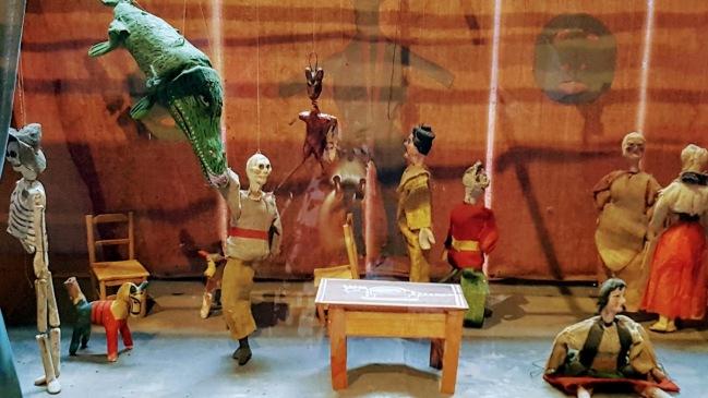 Frida's puppet theater kept her entertained while bedridden.
