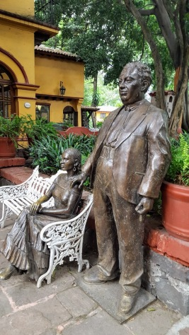 Frida Kahlo and Diego Rivera in bronze